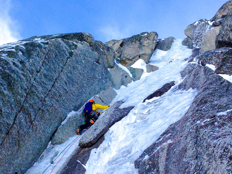 Hard winter climbing on the Frendo-Ravanel